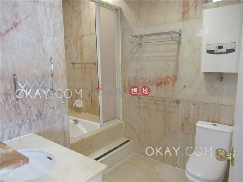 5房3廁,實用率高,海景,連車位《深水灣道8號出租單位》8深水灣道 | 灣仔區-香港-出租|HK$ 125,000/ 月