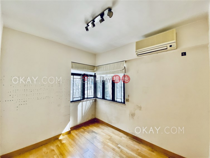 HK$ 32M, Evergreen Villa Wan Chai District | Efficient 3 bedroom with balcony & parking | For Sale