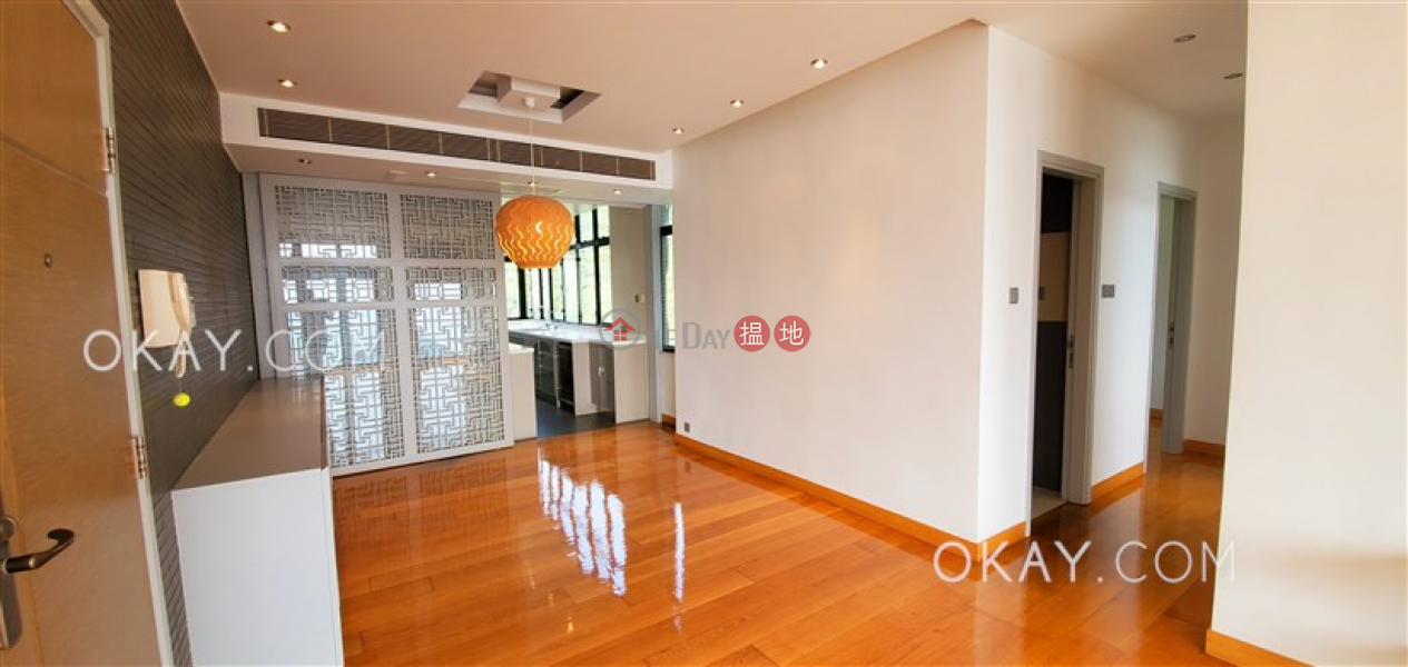Rare 2 bedroom with balcony | Rental, Tower 2 37 Repulse Bay Road 淺水灣道 37 號 2座 Rental Listings | Southern District (OKAY-R25601)