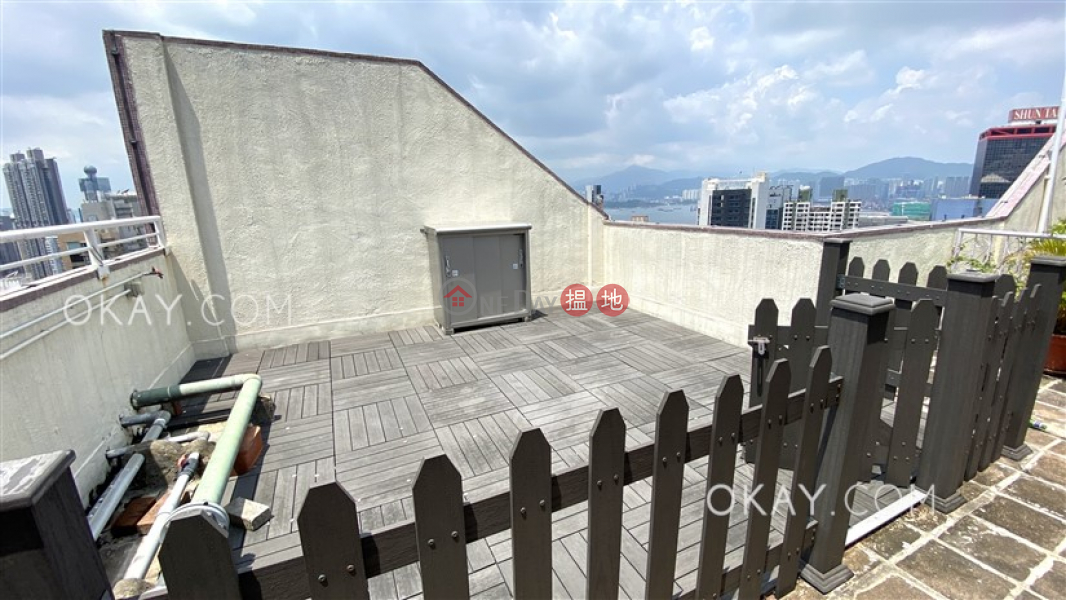 HK$ 30,000/ month | Rich View Terrace, Central District | Gorgeous 1 bedroom on high floor with rooftop | Rental