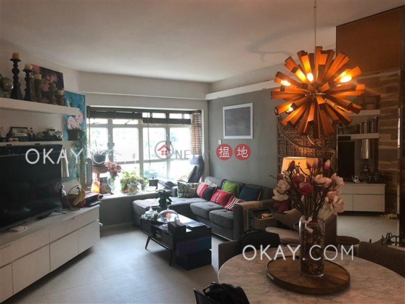Unique 2 bedroom on high floor with parking | For Sale | Conduit Tower 君德閣 Sales Listings