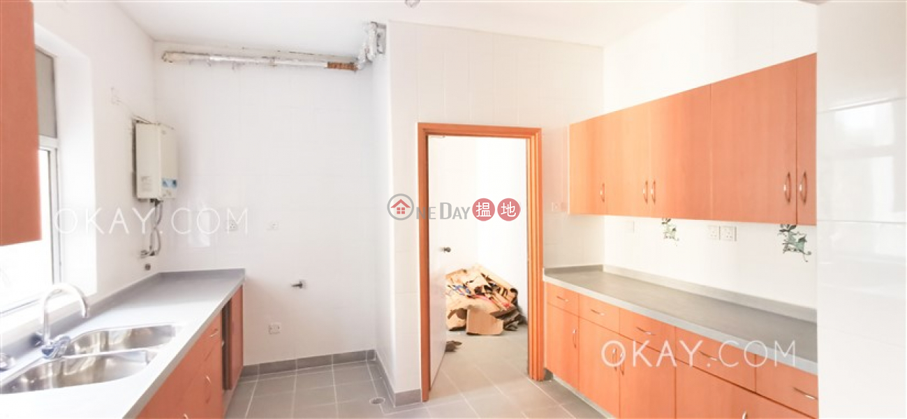 HK$ 63,500/ month, Aurora - Quarters Wan Chai District, Gorgeous 3 bedroom with balcony | Rental