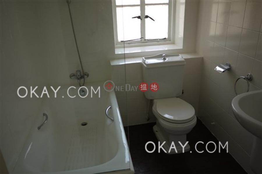 香港搵樓 租樓 二手盤 買樓  搵地   住宅 出租樓盤 4房2廁,可養寵物,連車位,露台《福利別墅 (House 1-8)出租單位》
