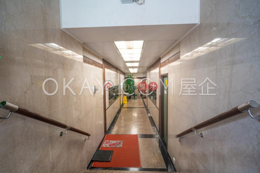 3房2廁,實用率高《嘉蘭閣出租單位》 嘉蘭閣(Grand Court)出租樓盤 (OKAY-R120431)