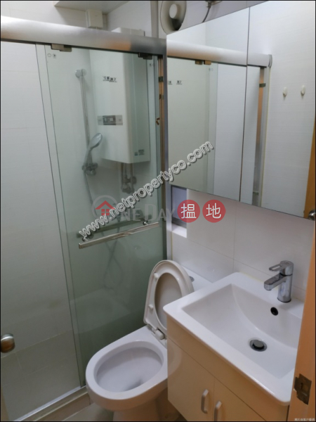 2-bedroom unit located in Kennedy Town, Leader House 利達樓 Rental Listings | Western District (A065372)