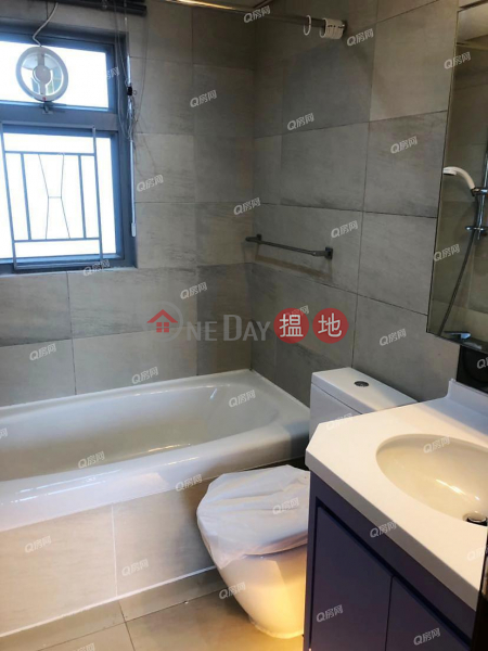 Property Search Hong Kong | OneDay | Residential | Rental Listings, Tower 5 Grand Promenade | 3 bedroom High Floor Flat for Rent