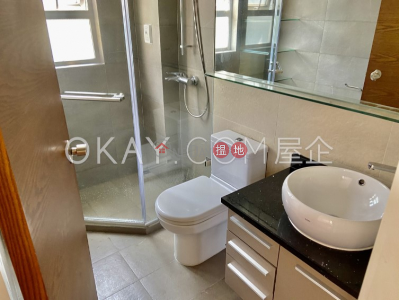 HK$ 19M Skyview Cliff Western District Stylish 2 bedroom on high floor | For Sale