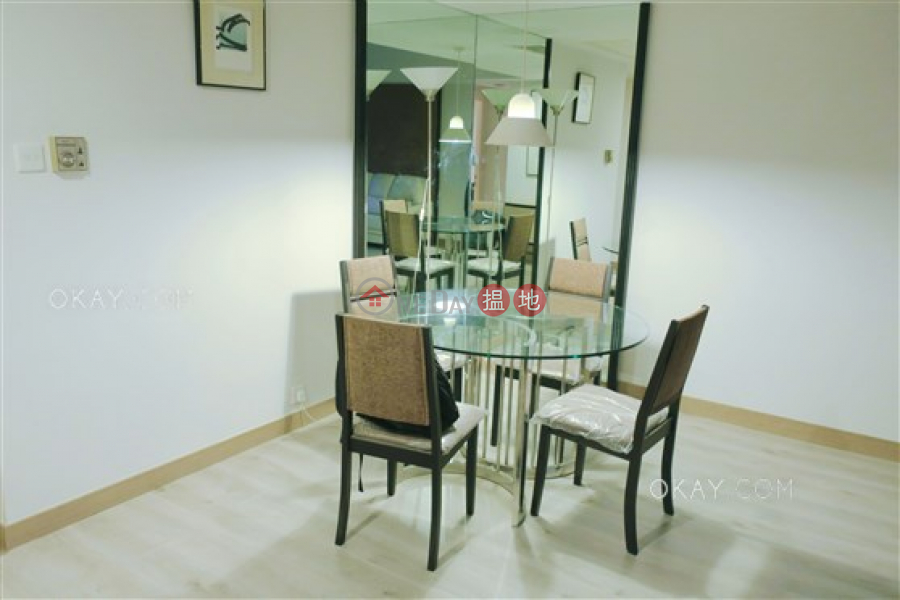 Stylish 1 bedroom on high floor   Rental, Convention Plaza Apartments 會展中心會景閣 Rental Listings   Wan Chai District (OKAY-R27718)