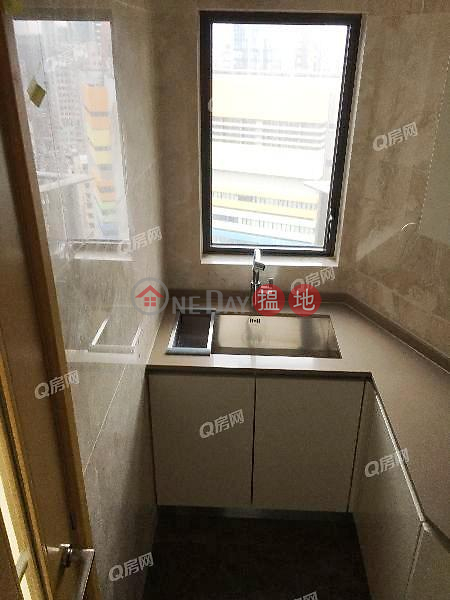 HK$ 48,000/ month, Grand Austin Tower 3A, Yau Tsim Mong | Grand Austin Tower 3A | 3 bedroom Mid Floor Flat for Rent