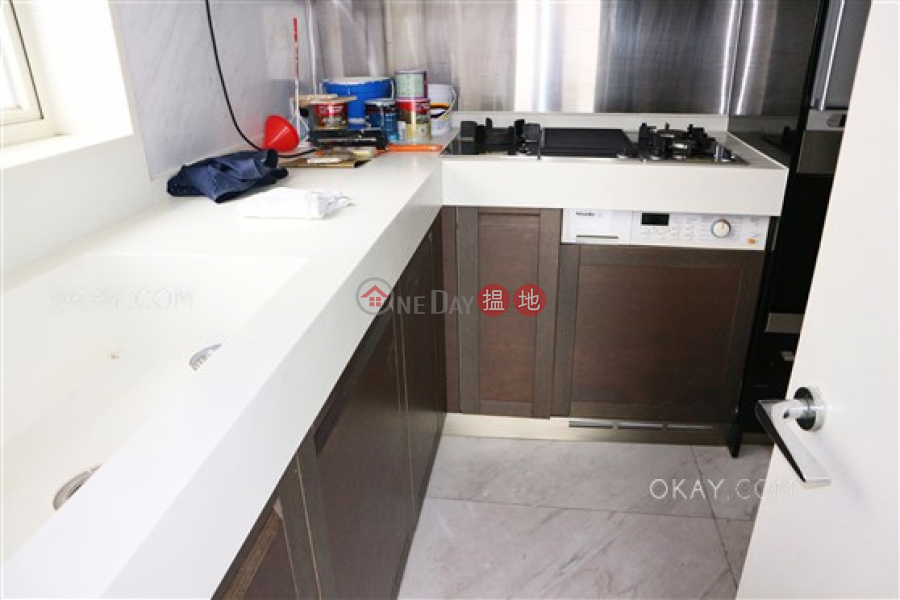 Lovely 3 bed on high floor with harbour views & balcony | Rental | Centrestage 聚賢居 Rental Listings