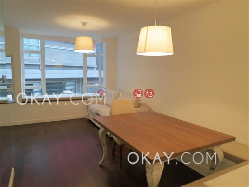 HK$ 29,000/ month Hollywood Terrace, Central District, Tasteful 2 bedroom with terrace | Rental