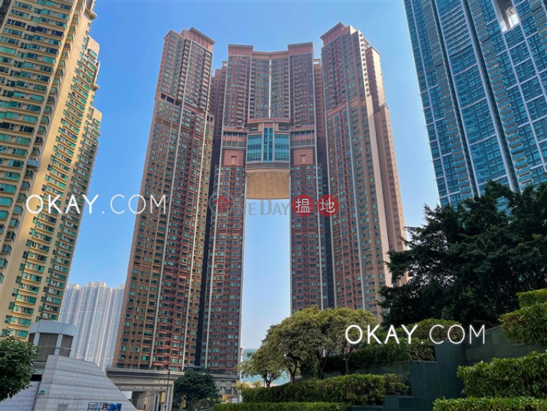 Luxurious 3 bedroom with terrace | For Sale | The Arch Star Tower (Tower 2) 凱旋門觀星閣(2座) Sales Listings