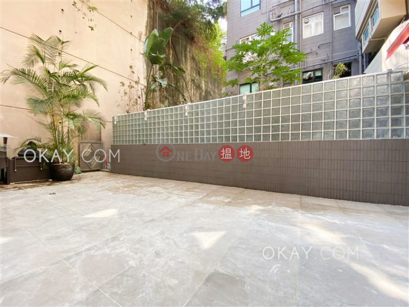 Rare 3 bedroom with terrace & parking | Rental | Pine Gardens 松苑 Rental Listings