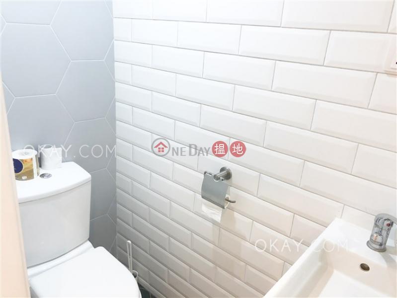 2房1廁,露台《美輪樓出租單位》30-34閣麟街 | 中區香港|出租HK$ 36,000/ 月