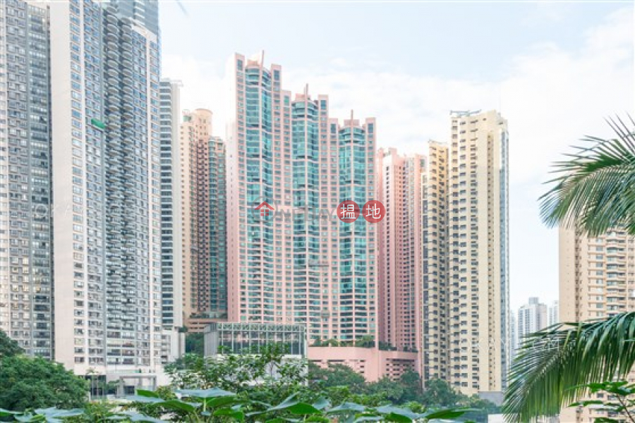HK$ 58M Dynasty Court Central District Exquisite 3 bed on high floor with balcony & parking | For Sale