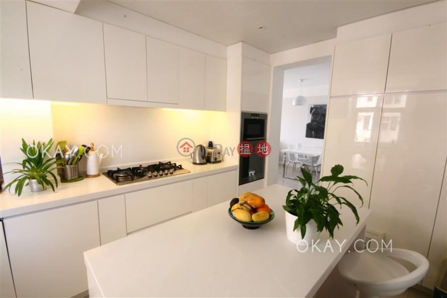 Nicely kept 3 bedroom with balcony | For Sale | 6 Parkvale Drive | Lantau Island, Hong Kong Sales, HK$ 11.5M