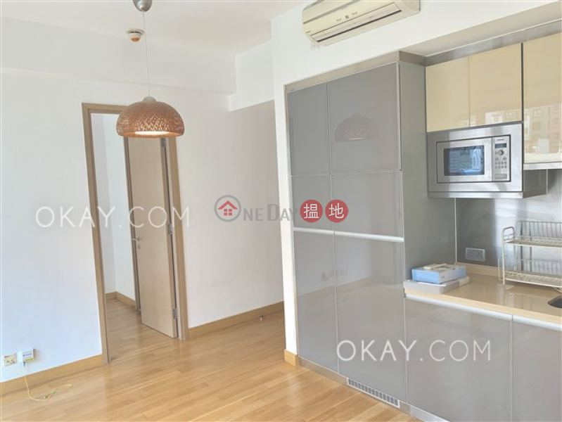 Nicely kept 1 bedroom with balcony & parking | For Sale | Greenery Crest, Block 2 碧濤軒 2座 Sales Listings