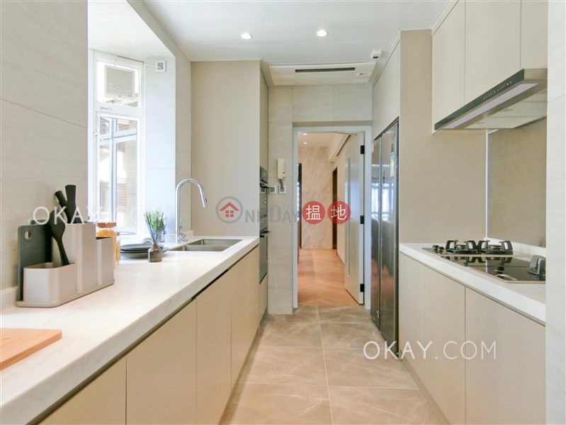 Property Search Hong Kong | OneDay | Residential | Rental Listings Luxurious 3 bedroom in Mid-levels East | Rental