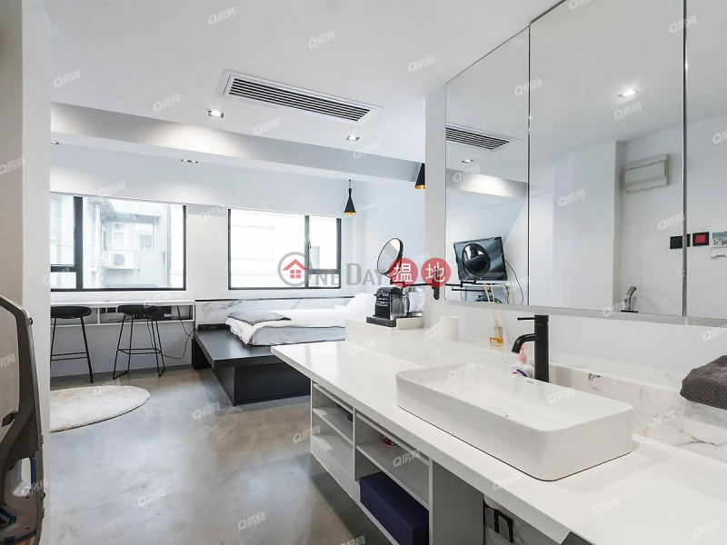 Property Search Hong Kong | OneDay | Residential Rental Listings, 17 Staunton Street | High Floor Flat for Rent