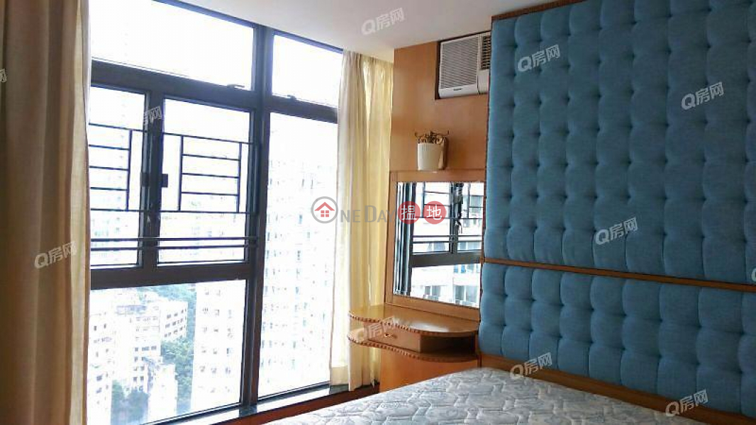 HK$ 29,800/ month Hollywood Terrace Central District Hollywood Terrace | 2 bedroom High Floor Flat for Rent