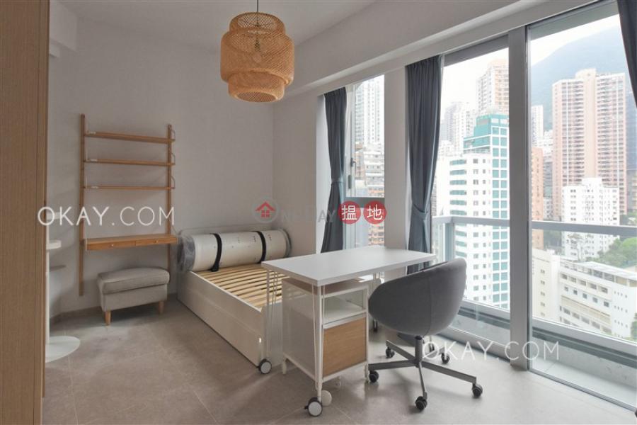 Charming high floor with balcony | Rental | Resiglow Pokfulam RESIGLOW薄扶林 Rental Listings