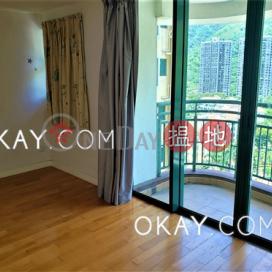Stylish 4 bedroom with sea views & balcony | Rental