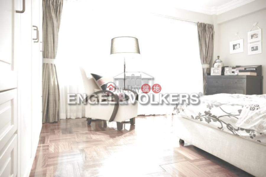 3 Bedroom Family Flat for Sale in Mid Levels West | Right Mansion 利德大廈 Sales Listings