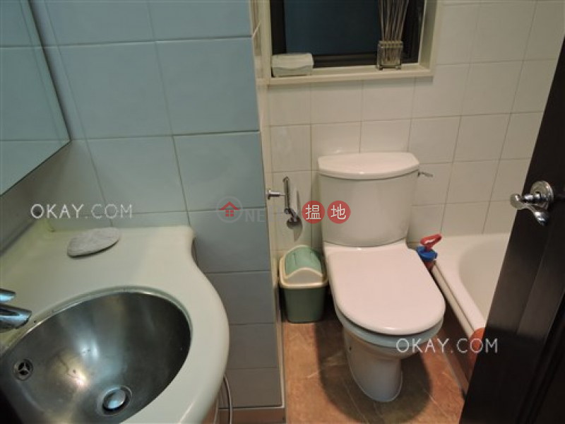 HK$ 2,100萬|輝煌豪園|西區|3房2廁,極高層,星級會所,連租約發售《輝煌豪園出售單位》
