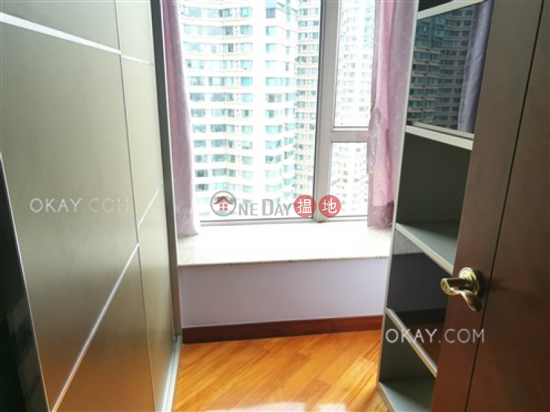 HK$ 38,500/ month, Tower 8 One Silversea, Yau Tsim Mong, Unique 3 bedroom with balcony | Rental