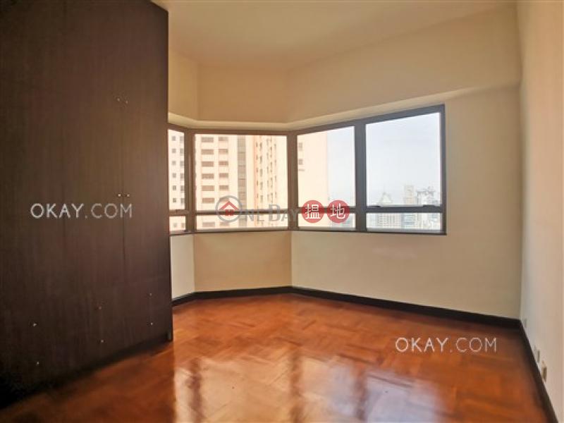 HK$ 63,000/ 月 舊山頂道2號中區-3房2廁,連車位《舊山頂道2號出租單位》