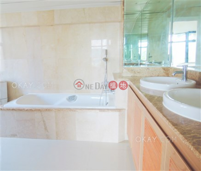 Rare 5 bedroom with terrace & parking | For Sale | House A1 Stanley Knoll 赤柱山莊A1座 Sales Listings