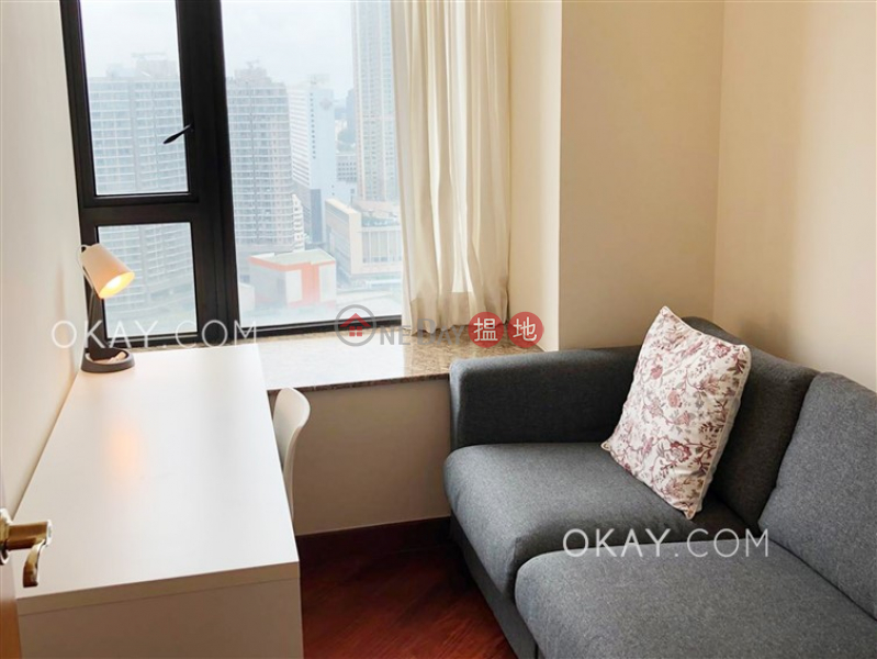Nicely kept 2 bedroom with harbour views   Rental   The Arch Star Tower (Tower 2) 凱旋門觀星閣(2座) Rental Listings