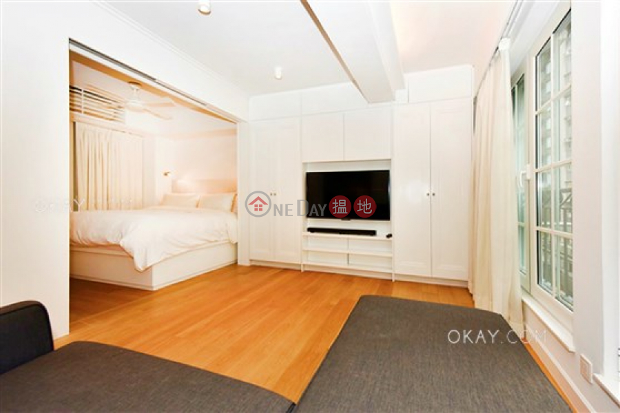 Property Search Hong Kong | OneDay | Residential | Rental Listings Stylish 2 bedroom in Sheung Wan | Rental