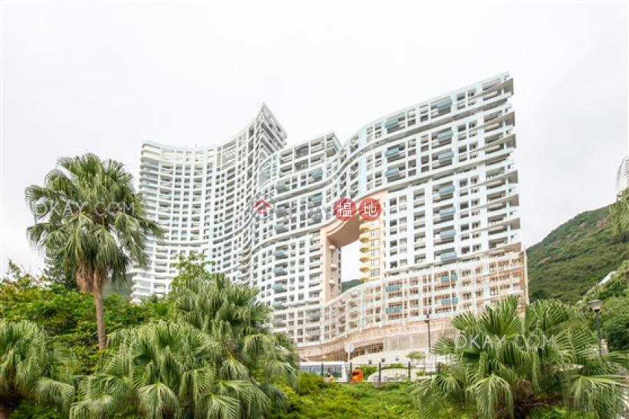 Unique 3 bedroom with sea views, balcony | Rental | Block 2 (Taggart) The Repulse Bay 影灣園2座 Rental Listings