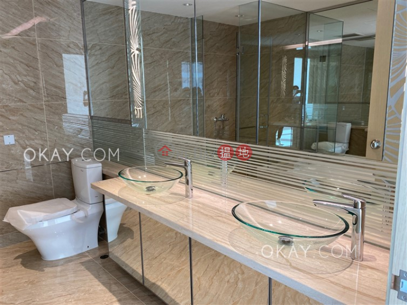 HK$ 220,000/ month, Phase 1 Regalia Bay Southern District Gorgeous house with rooftop & balcony   Rental