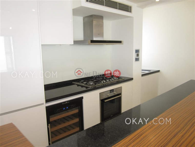 Gorgeous 3 bedroom with balcony & parking | For Sale | Aqua 33 金粟街33號 Sales Listings