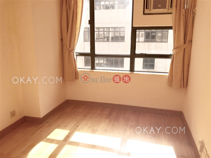 HK$ 25,000/ month | Cameo Court, Central District, Lovely 2 bedroom in Mid-levels West | Rental