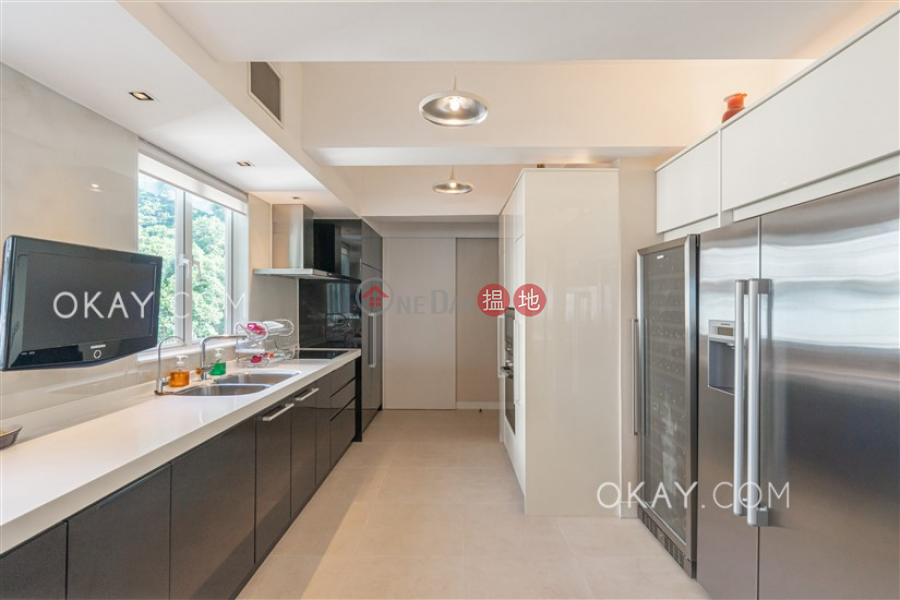 HK$ 35M, POKFULAM COURT, 94Pok Fu Lam Road Western District Efficient 3 bed on high floor with balcony & parking   For Sale