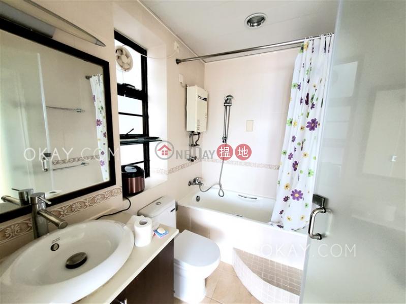 Generous 3 bedroom with sea views & balcony   Rental   Discovery Bay, Phase 5 Greenvale Village, Greenburg Court (Block 2) 愉景灣 5期頤峰 韶山閣(2座) Rental Listings