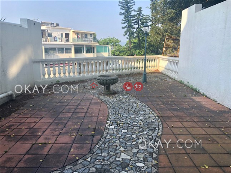 Unique house with rooftop & parking | Rental | Golden Cove Lookout 金碧苑 Rental Listings