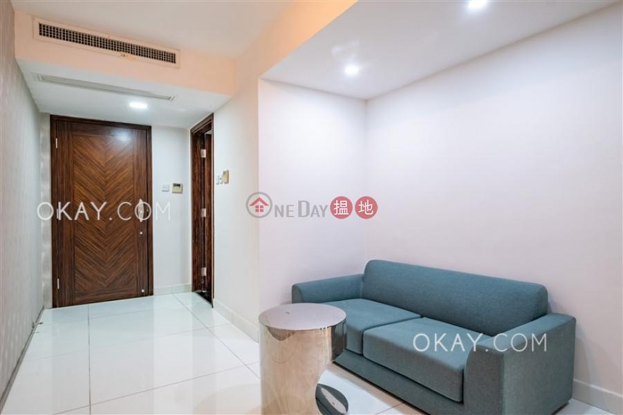 Generous 1 bedroom in Pokfulam | Rental, Phase 3 Villa Cecil 趙苑三期 Rental Listings | Western District (OKAY-R383685)