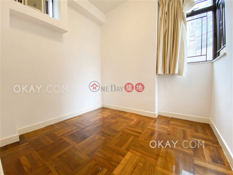 HK$ 38,000/ month | Roc Ye Court | Western District Luxurious 3 bedroom in Mid-levels West | Rental