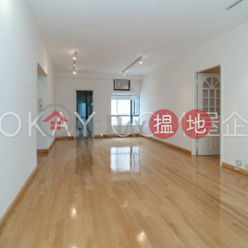 Elegant 3 bedroom on high floor with balcony & parking | Rental