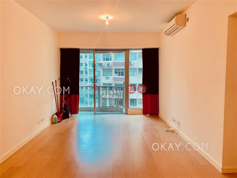 Unique 3 bedroom with balcony | For Sale, No 31 Robinson Road 羅便臣道31號 Sales Listings | Western District (OKAY-S871)