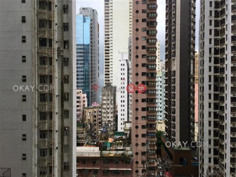 3房2廁,星級會所,露台《縉城峰2座出租單位》 8第一街   西區香港-出租HK$ 44,000/ 月