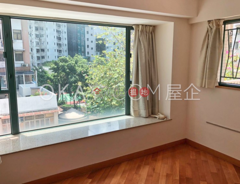 HK$ 13M   Elite\'s Place Western District, Charming 3 bedroom with terrace   For Sale