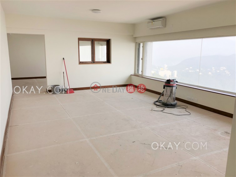 Efficient 4 bedroom with parking | Rental | Mountain Lodge 崑廬 Rental Listings