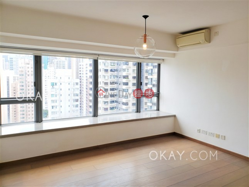 Charming 2 bedroom on high floor with balcony | Rental | Centre Point 尚賢居 Rental Listings