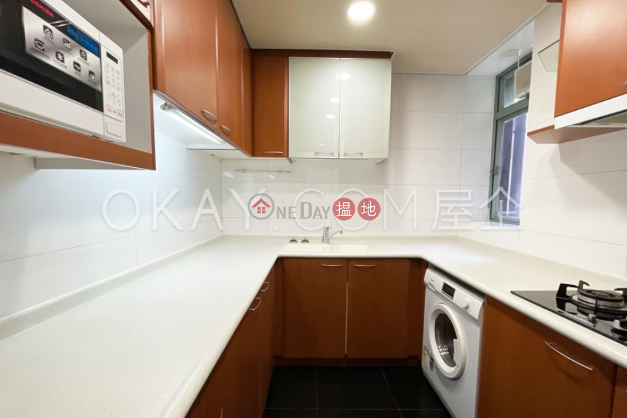 HK$ 39,800/ 月-柏道2號西區3房2廁,可養寵物,露台《柏道2號出租單位》