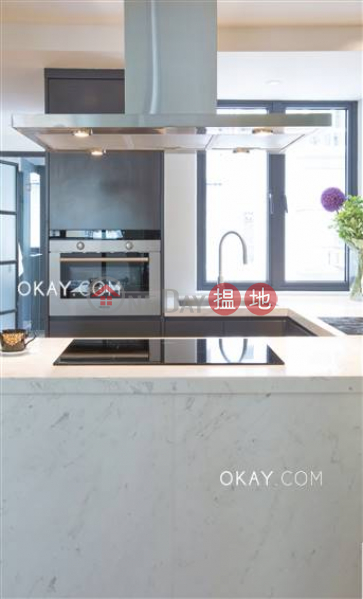 HK$ 30,000/ 月 荷李活道229-231號西區1房1廁,極高層《荷李活道229-231號出租單位》